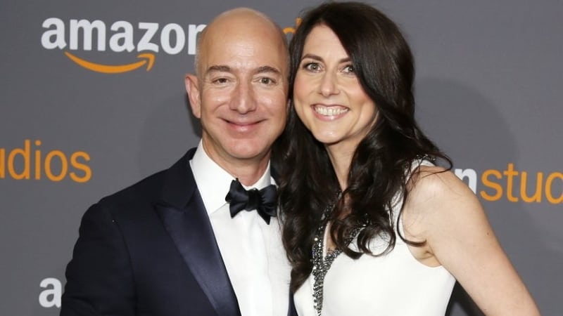 MacKenzie Bezos 5 Facts  About Amazon Jeff Bezos' Wife
