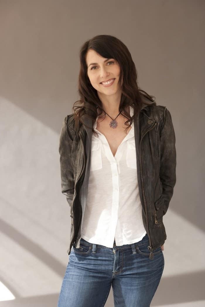 Mackenzie Bezos- Amazon Jeff Bezos' Wife (bio wiki)