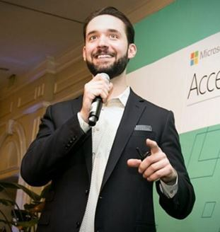Top 10 Facts about Reddit's Alexis Ohanian
