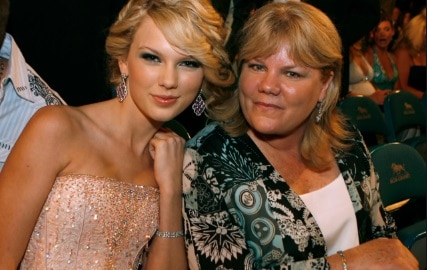 Andrea Swift 5 FactsAbout Taylor Swift's Mother